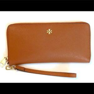 Tory Burch Emerson Zip Around Passport Wallet